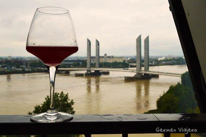 visitar la ciudad del vino burdeos